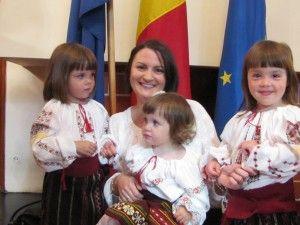 Consulul onorific al Republicii Moldova în Norvegia, alături de cei trei copii