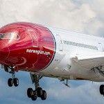 Compania aeriana Norwegian va impune prezenta permanenta a doua persoane în carlinga
