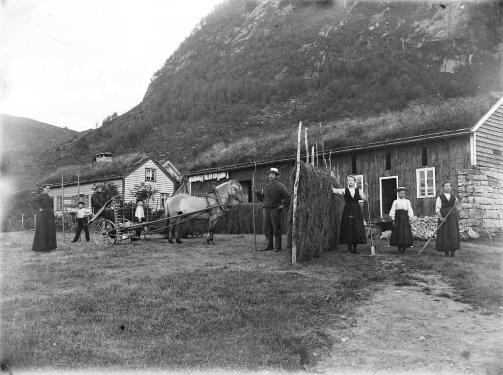 Fermă din Norvegia de la începutul anilor 1900