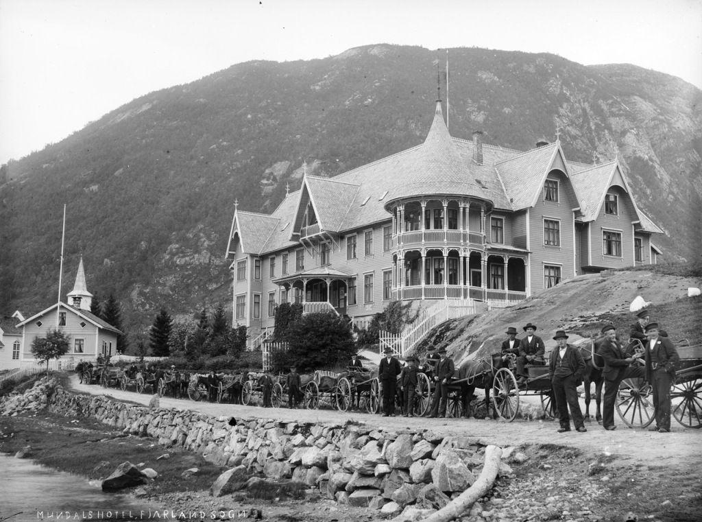 Hotelul Mundal, 1890-1910