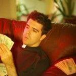 Un fost preot a furat peste 15 milioane de coroane si i-a cheltuit pentru prostituate in Spania