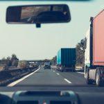 Guvernul are în vedere un proiect de eliminare a traficului de mărfuri de pe șosele
