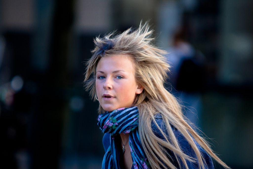 O tânără din Norvegia cu o privire intensă (foto: Nicola Romagna)