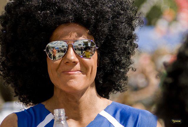 O altă zi însorită și colorată în Oslo. Fața acestei femei exprimă cu siguranță multă energie pozitivă (foto: Tjook)