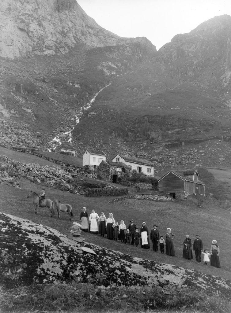 Kløvtveit, Gulen, aproximativ 1900